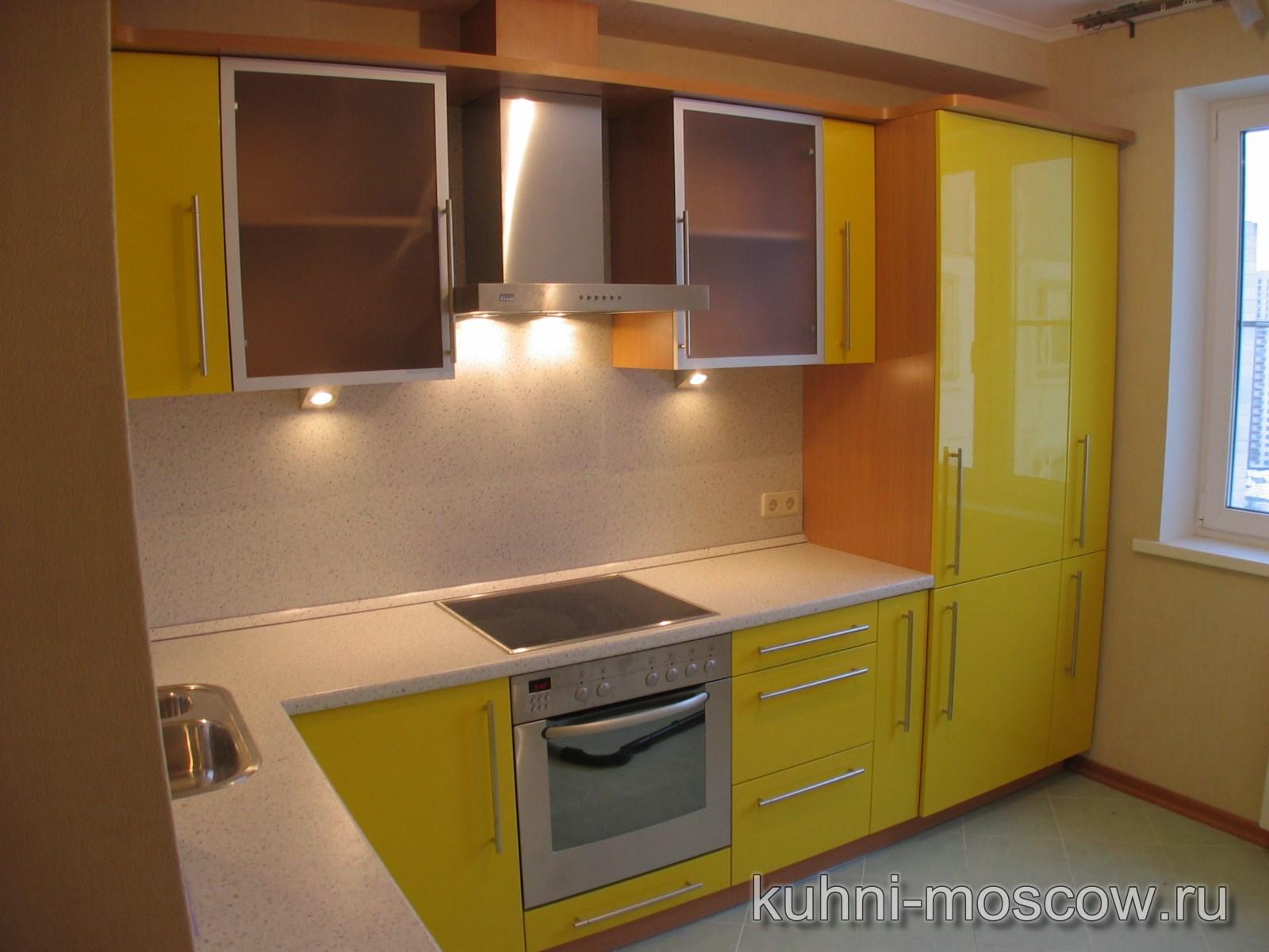 Дизайн кухни со встроенным холодильником