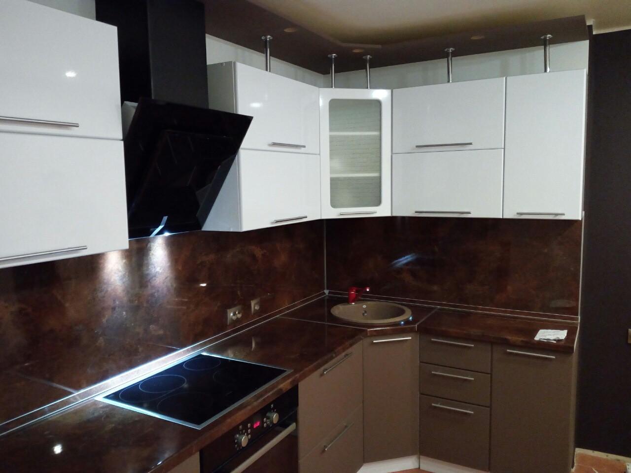Угловая кухня с фасадами МДФ «Флорентина»