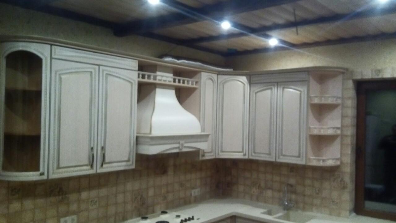 Угловая кухня с эмалью и патиной, фото 6