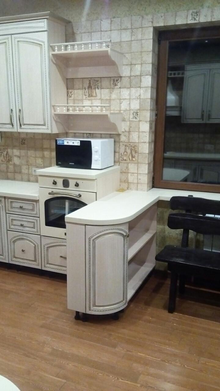 Угловая кухня с эмалью и патиной, фото 5