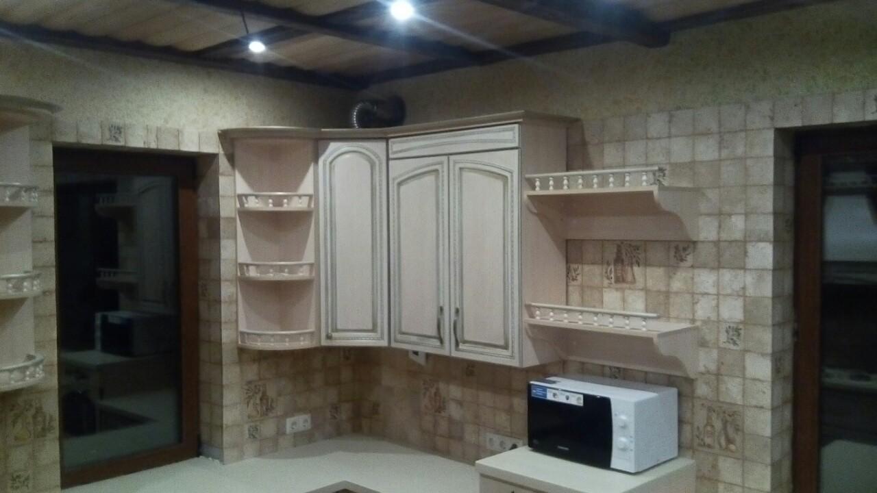 Угловая кухня с эмалью и патиной, фото1