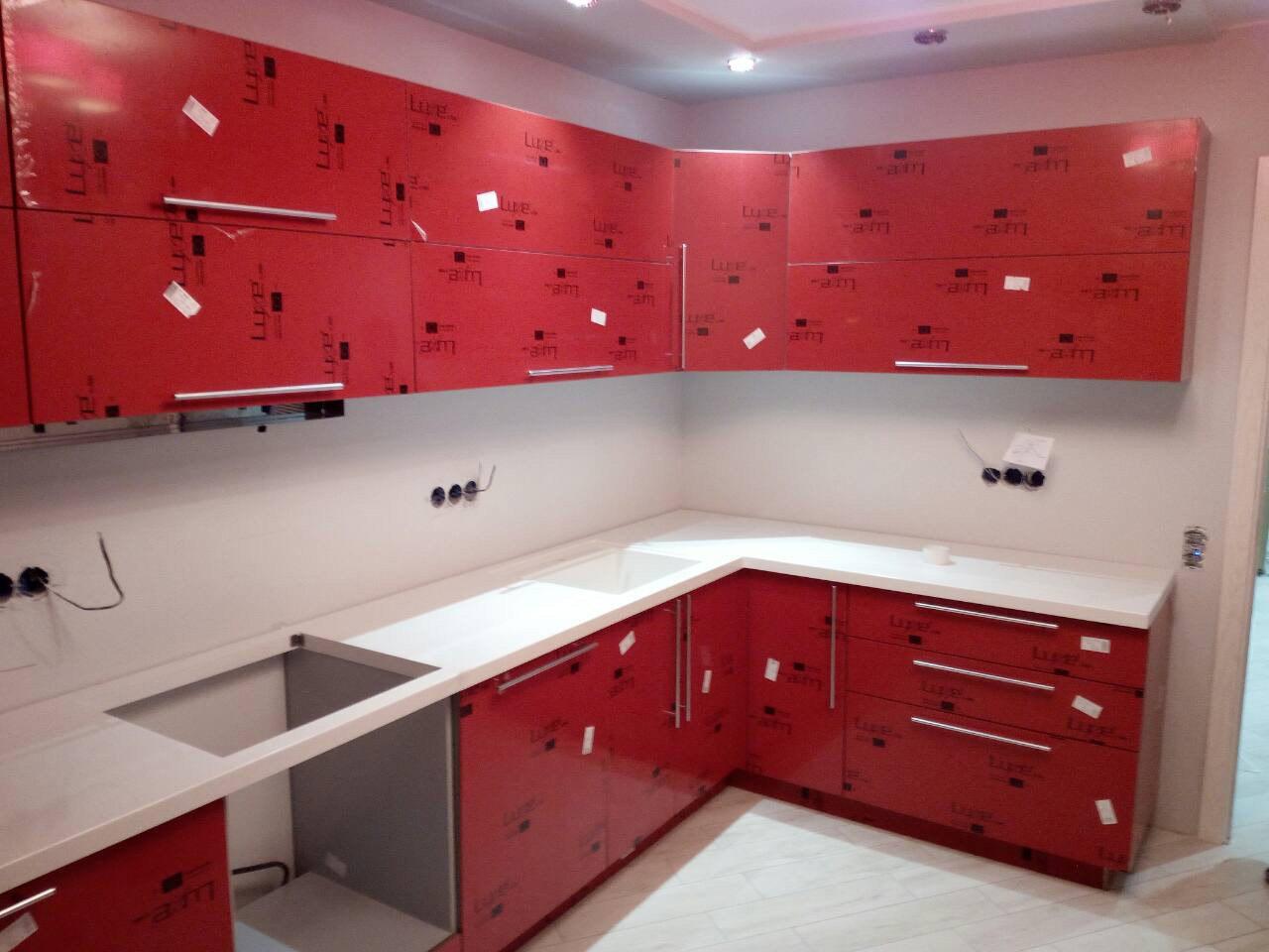 Кухня Алвик Люкс красная