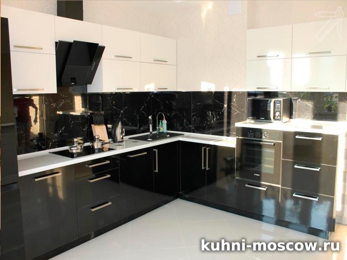 Черно белый кухонный гарнитур Ирма